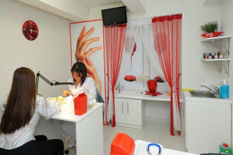 Оборудование для маникюра и педикюра